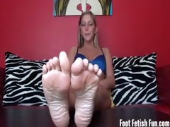 worship your step sister&#5611 s flawless feet