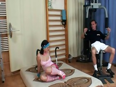 cknz old vs young-maritta screwed in the gym