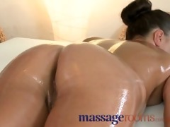 massage rooms small brunette hair gets her